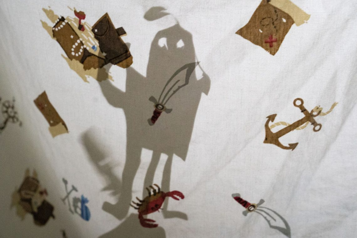 Shadow-Puppet-Sheets-Show-4